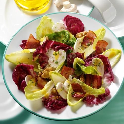 Fitness-Salat mit Senfdressing